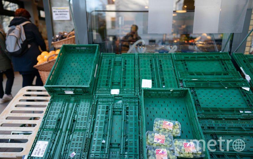 Полки в магазине Берлина. Фото Getty
