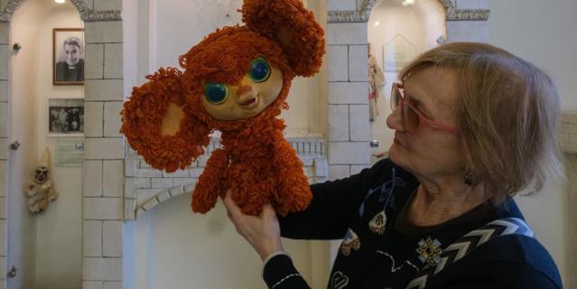 25 лет Чебурашка разговаривал голосом народной артистки России Фаины Костиной.