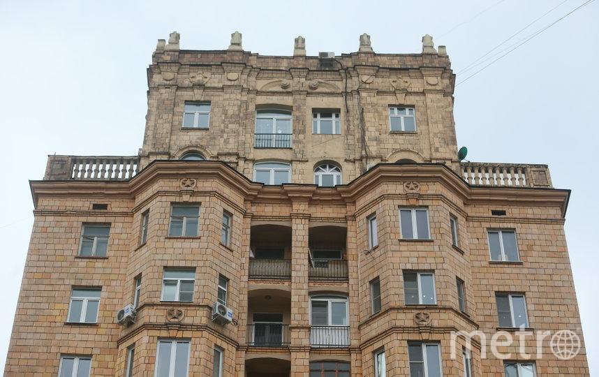 Дом в глубине Фрунзенской набережной – усечённый вариант сталинской высотки. Фото Василий Кузьмичёнок