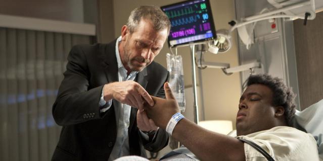"""Кадр из сериала """"Доктор Хаус""""."""