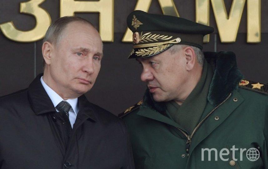 Президент России Владимир Путин и министр обороны Сергей Шойгу. Архивное фото. Фото РИА Новости