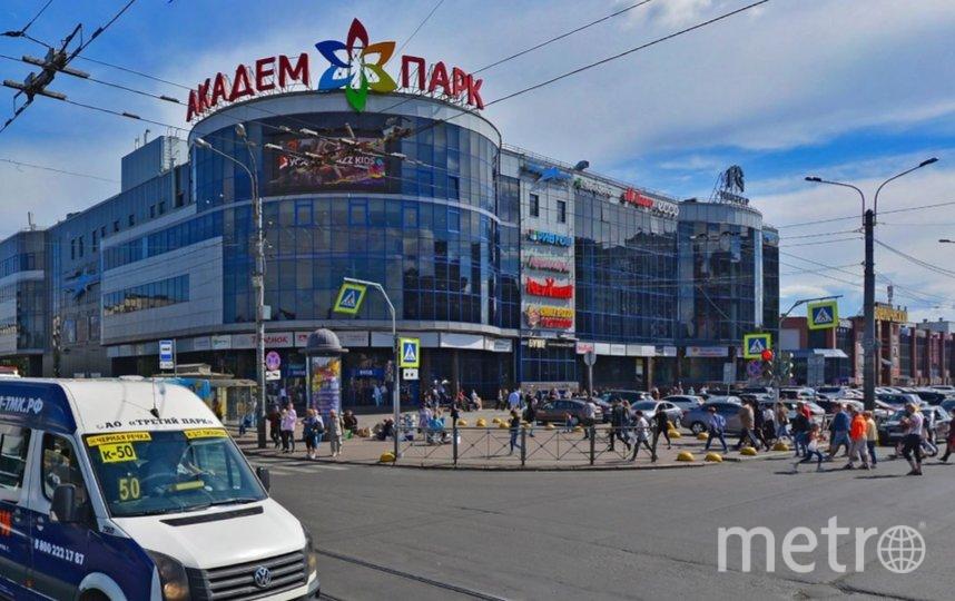 Торговые центры Петербурга продолжают работать. Фото Яндекс.Панорамы