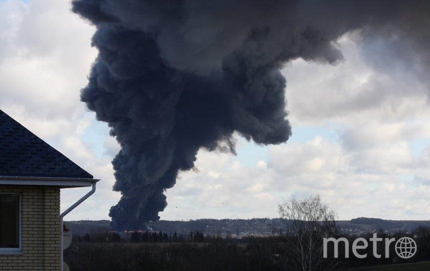 В Дмитрове горит склад. Фото http://moscow-live.ru/