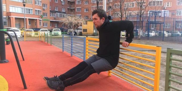 Фитнес-тренер Василий Солдатов.