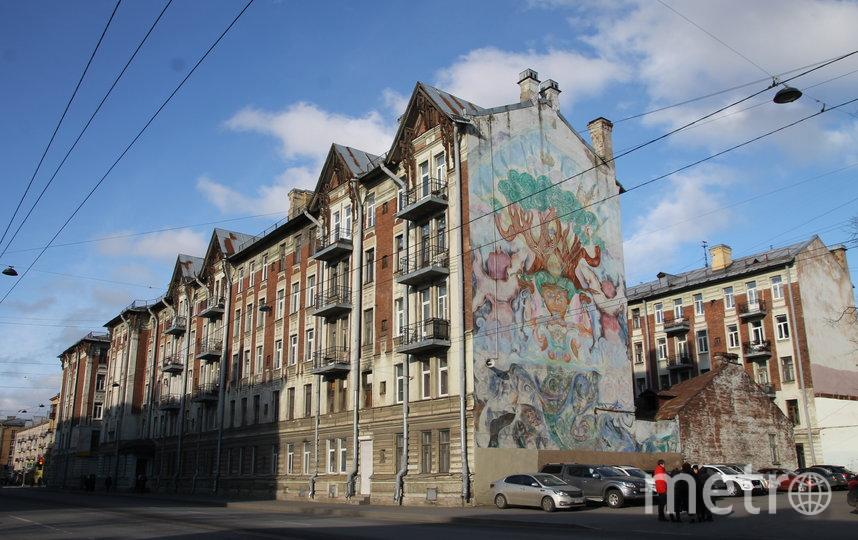 """Живописное панно «Вода – это жизнь» на брандмауэре. Фото КГИОП /kgiop.gov.spb.ru, """"Metro"""""""
