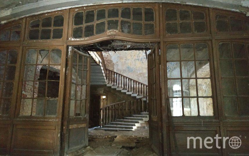 """Дача Фаберже может быть утрачена: здание сильно разрушено. Фото КГИОП /kgiop.gov.spb.ru, """"Metro"""""""