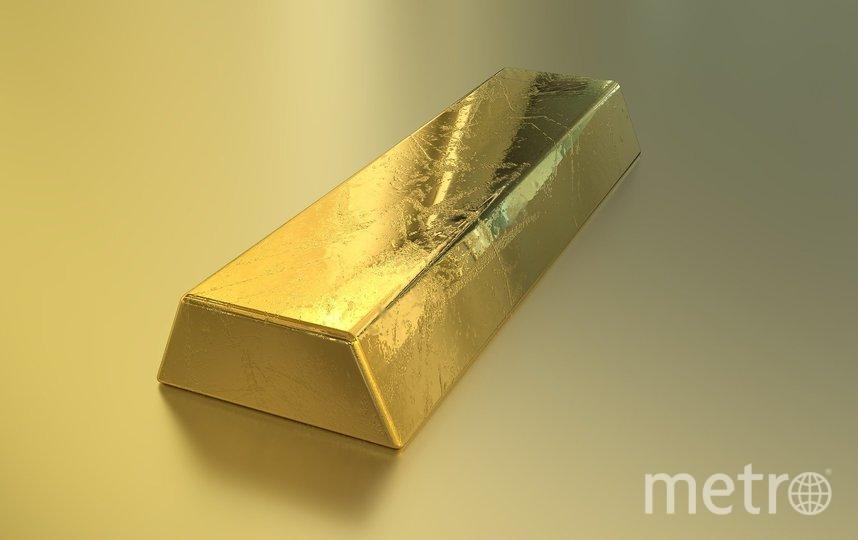 В Шереметьево начали расследование после обнаружения золотых слитков на дороге. Фото pixabey