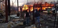 Серьезный пожар в ангарах в Мартышкино в Петербурге ликвидирован