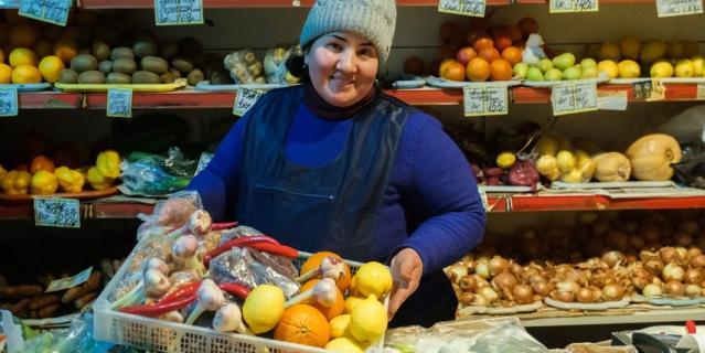 Продавцы магазинов остаются на рабочих местах. Майя Нигматова.