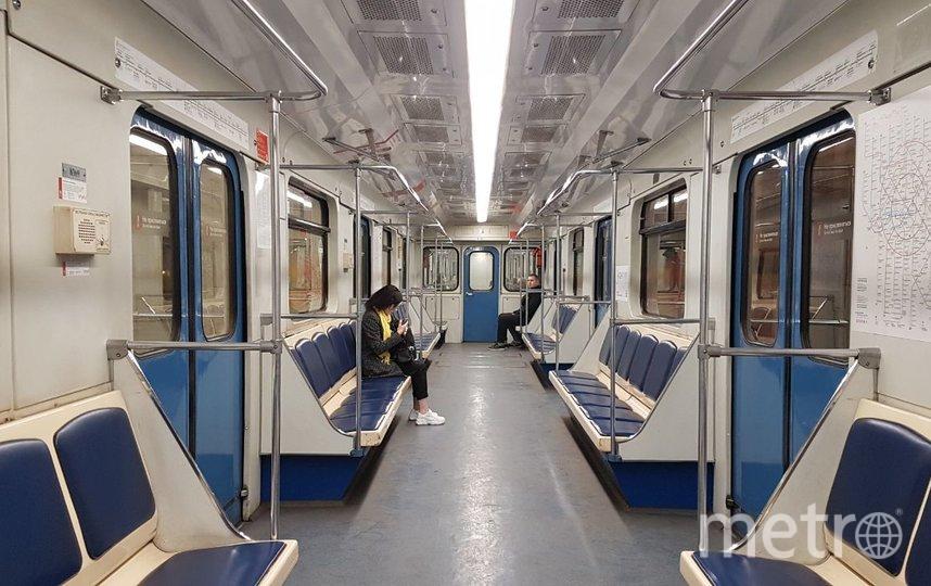 Москва, 28 марта. Утром в метро. Фото Василий Кузьмичёнок