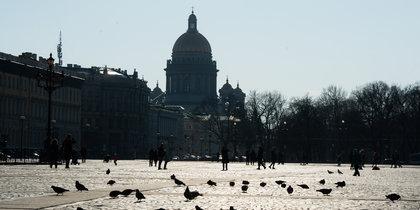 Опустевшие улицы: Как выглядит Петербург в первый день карантина