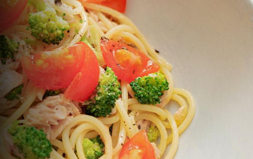 Паста с овощами и консервированным тунцом. Фото Nuno Queiroz Ribeiro | скриншот http://www.euro.who.int
