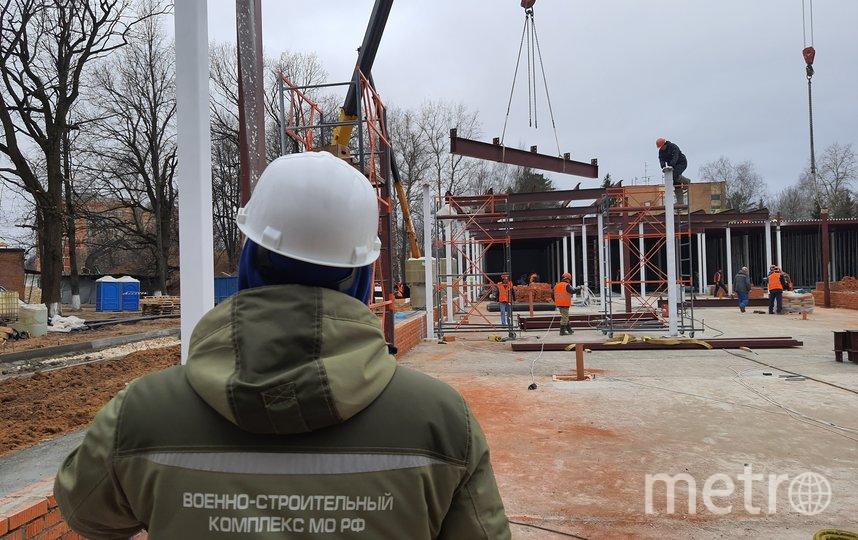 Строители трудятся круглосуточно, в три смены. Фото  Давид Минесашвили