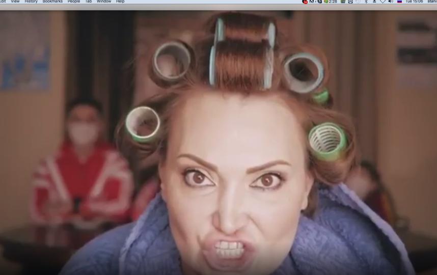 Елена Лаптандер снимается в клипе.