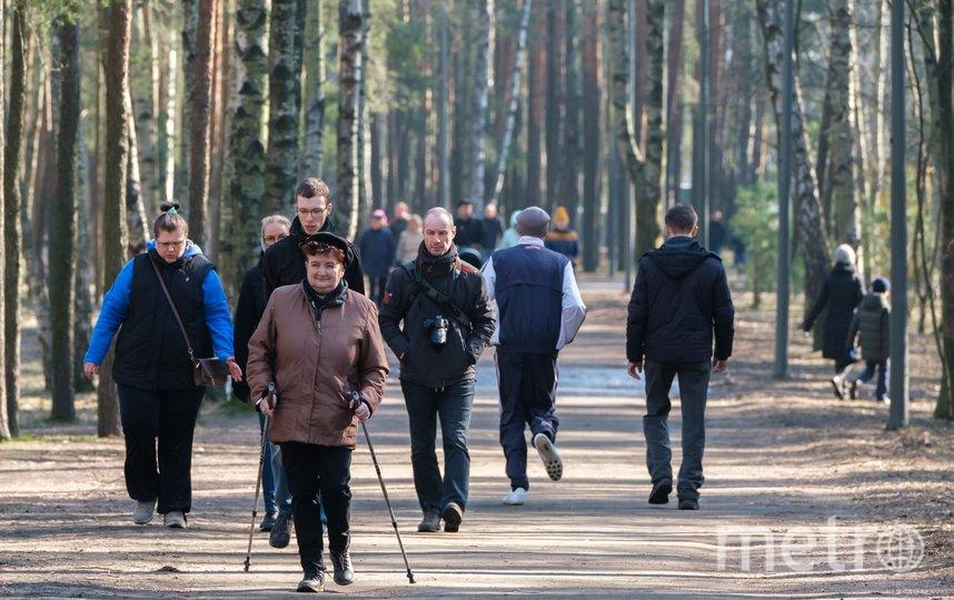 """Фото сделаны накануне запрета на выход из дома для пожилых петербуржцев. Фото Алены Бобрович, """"Metro"""""""