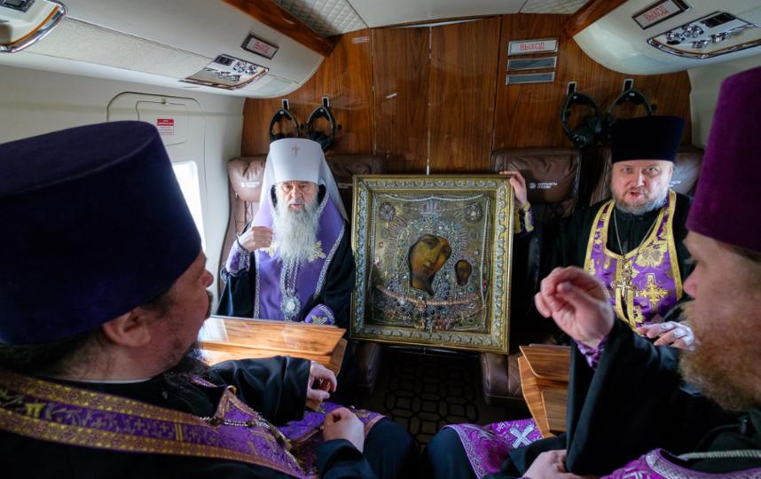 Молитвенный облет над Петербургом. Фото пресс-служба Санкт-Петербургской митрополии