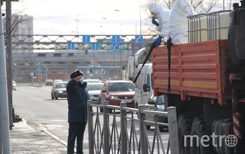 "Дезинфекция Мурино. Фото пресс-служба МЧС Ленобласти, ""Metro"""