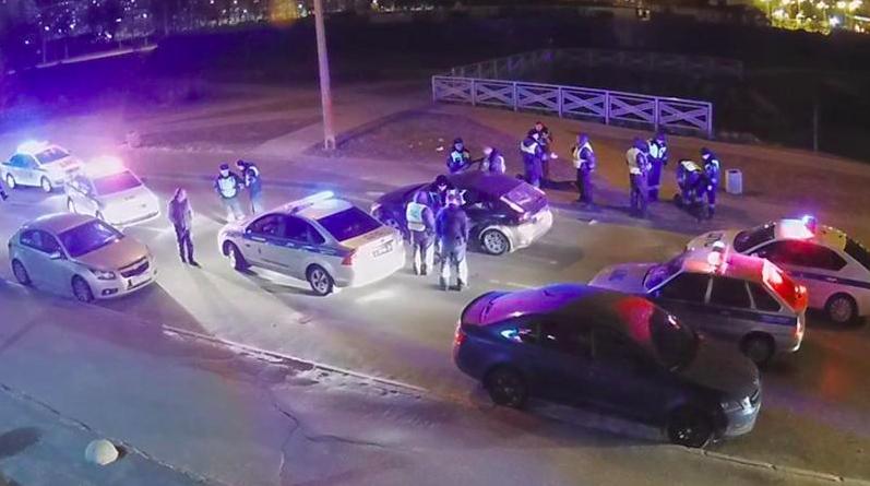 Около десятка машин гнались за пьяным водителем. Фото 78.ru