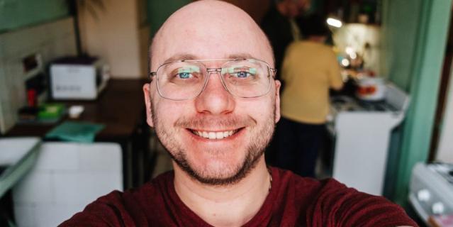 Марк Гайдаш живёт в 9-комнатной коммуналке на Моховой.