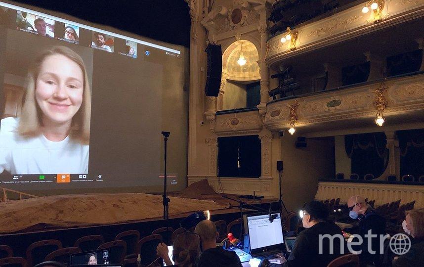 """В БДТ прошел виртуальный сбор труппы. На экране актриса Алена Кучкова. Фото предоставлены пресс-службой театра, """"Metro"""""""