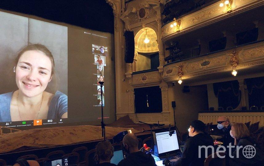 """В БДТ прошел виртуальный сбор труппы. На экране актриса Карина Разумовская. Фото предоставлены пресс-службой театра, """"Metro"""""""