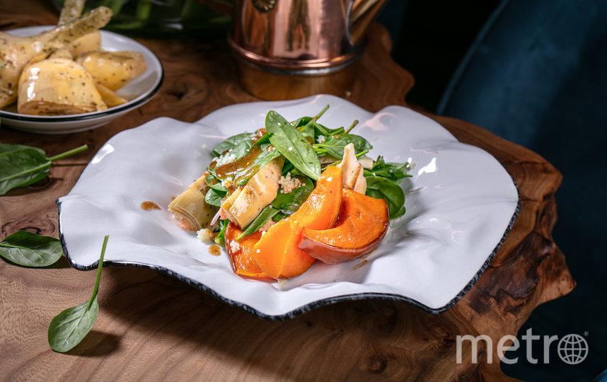 """Салат с кус-кусом и артишоками. Фото предоставлено ресторанами, """"Metro"""""""