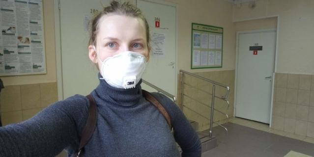 В поликлинике.