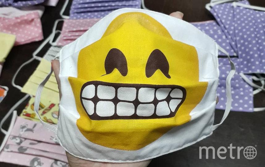 Многие компании и мастерские используют хэштег #Masks4All для продвижения своих дизайнерских масок. Фото Instagram@atelie_com