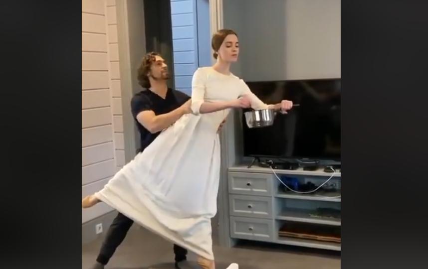 Танцовщики покорили зрителей даже на удаленке! Фото Скриншот Youtube