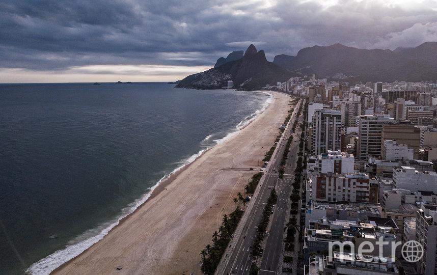 Пляж Ипанема в Рио-де-Жанейро во время самоизоляции, Бразилия. Фото AFP