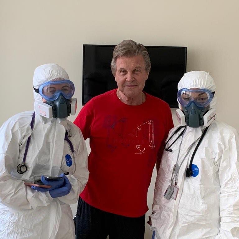Лев Лещенко в больнице. Фото Instagram.com/leshchenko_lv/