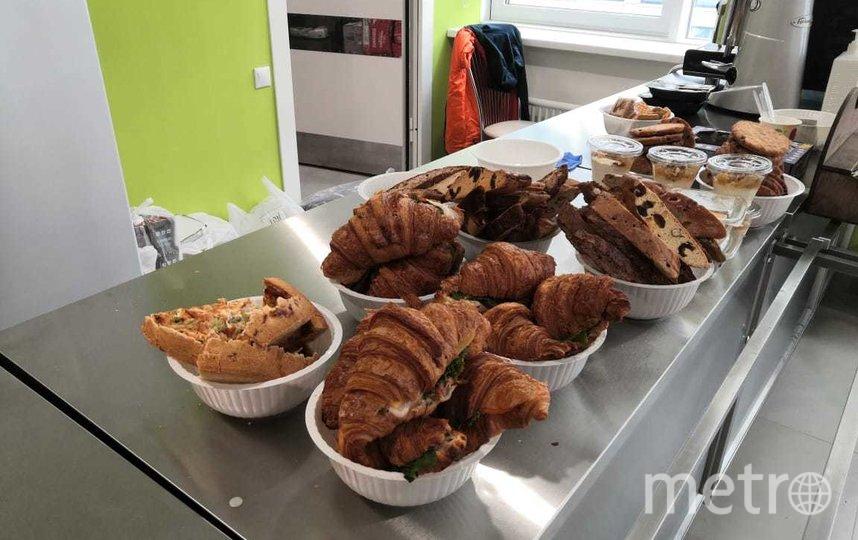 Еда для врачей и медицинского персонала в Коммунарке, переданная в рамках проекта #боремсявместе. Фото представлено Анастасией Энгельгардт