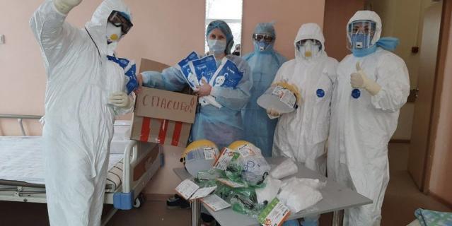 """Медики из Твери получили средства индивидуальной защиты, закупленные на деньги, перечисленные в рамках специального сбора фонда """"Живой""""."""
