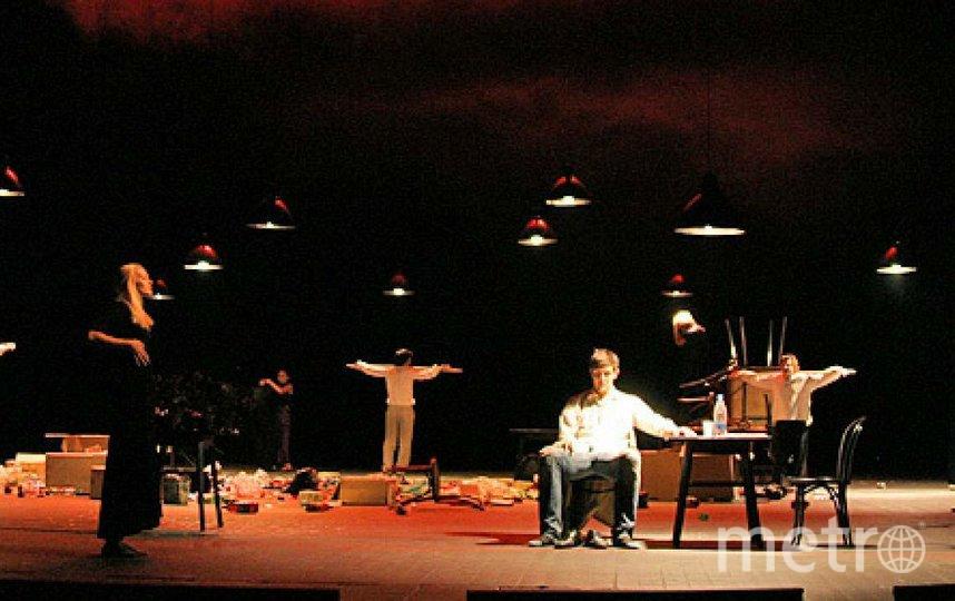 "Сцена из спектакля ""Мера за меру"". Фото Пресс-служба театра им Вахтангова"