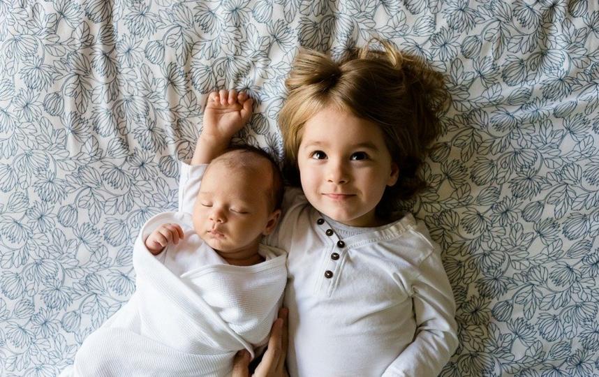 Владимир Путин подписал указ о выплатах семьям с детьми по 5 тыс. рублей на каждого ребёнка. Фото pixabay.com