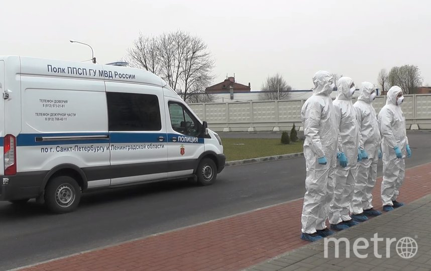 В Петербурге проверили, как соблюдают карантин вернувшиеся из-за границы. Фото МВД РФ по СПб и ЛО