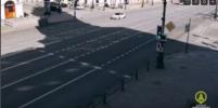 Видео, как иномарка мчится по Невскому со скоростью 180 км/ч, появилось в Сети