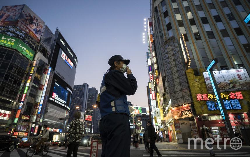 Премьер-министр Японии Синдзо Абэ во вторник объявил о чрезвычайной ситуации в нескольких регионах страны в связи с распространением коронавируса. Фото Getty
