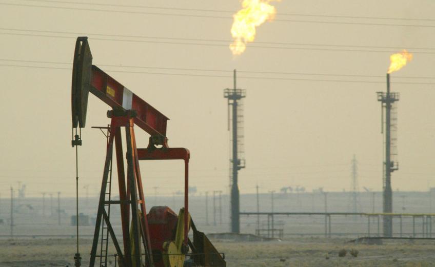 Страны ОПЕК+ договорились провели переговоры, в рамках которых договорились о рекордном сокращении добычи нефти. Фото Getty