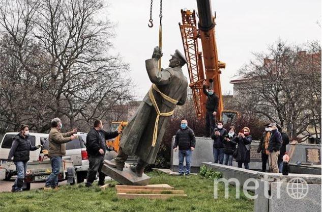 Демонтаж памятника. Фото пресс-служба СК РФ