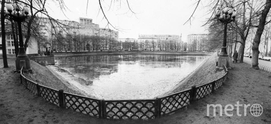 Патриаршие пруды, архив. Фото РИА Новости