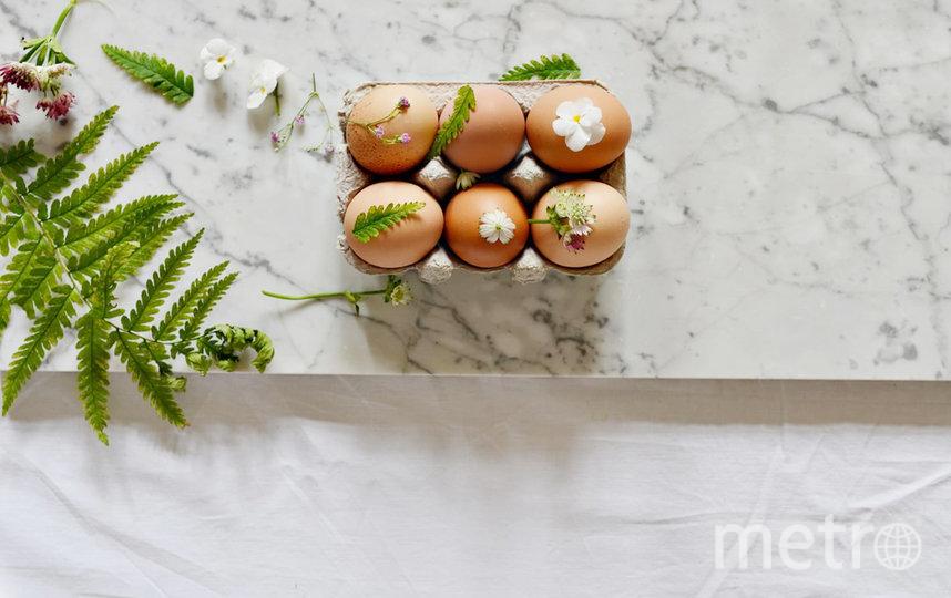 Как сделать красивые отпечатки растений на яйцах. Фото instagram/forest.wreath