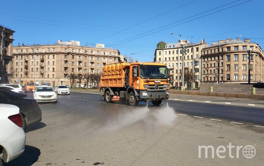 Промышленная улица, уборка 11 апреля. Фото gov.spb.ru/gov/otrasl/blago