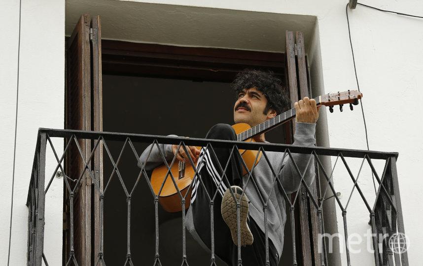 В Испании играют на гитаре. Фото Getty
