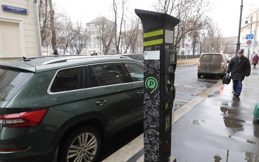 Парковка в Москве стала бесплатной для медиков коронавирусных стационаров. Фото Getty