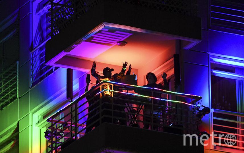 В Буэнос-Айресе устраивают вечеринки. Аргентина. Фото AFP