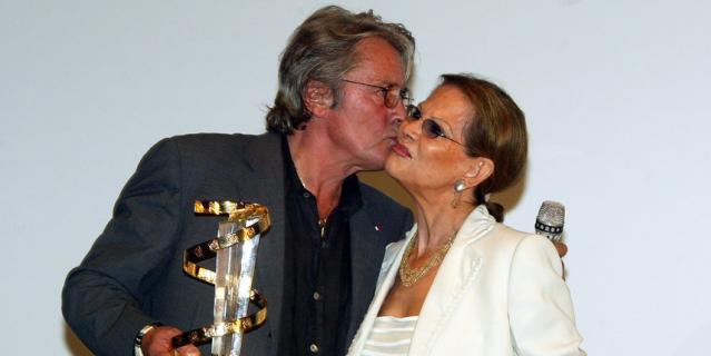С Аленом Делоном в 2003 году на кинофестивале в Марокко.