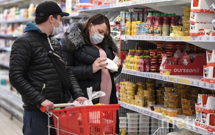 Скорость доставки продуктов в магазины увеличится из-за свободных дорог. Фото РИА Новости
