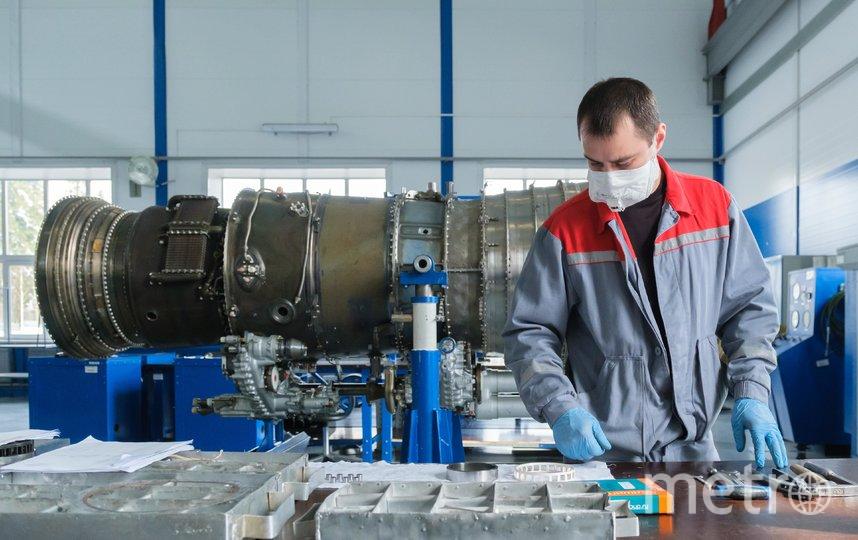 "Все сотрудники завода «218 АРЗ» работают в масках. Фото Алена Бобрович, ""Metro"""