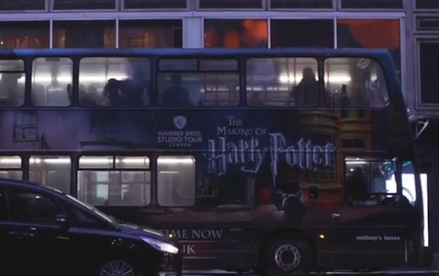 В Великобритании медиков будут возить на автобусах музея Гарри Поттера. Фото скриншот: instagram.com/wbtourlondon/